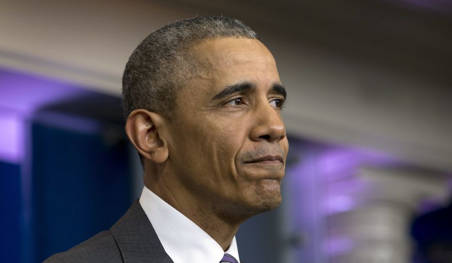 President Barack Obama pauses as he speaks during a mock news conference with college students in the Brady Press Briefing Room in Washington, Thursday, April 28, 2016. (AP Photo/Carolyn Kaster)