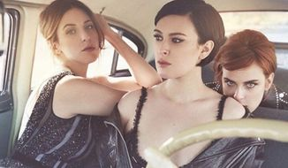 "Actress Rumer Willis, center, accused a pair of Vanity Fair photographers of ""bullying"" her with a recent photo that she said was digitally altered to make her jaw look smaller. (Instagram/@ruelarue)"
