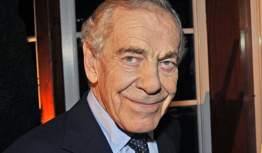 """This Oct. 6, 2008 photo released by CBS shows """"60 Minutes"""" correspondent Morley Safer during the  program's 40th anniversary celebration in New York. Safer will say farewell Sunday on """"60 Minutes"""" as he is honored by the newsmagazine where he's been a fixture for all but two of its 48 years. (John Paul Filo/CBS via AP)"""