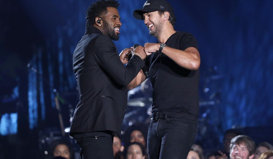 Pop singer Jason Derulo says he 'loves' country music