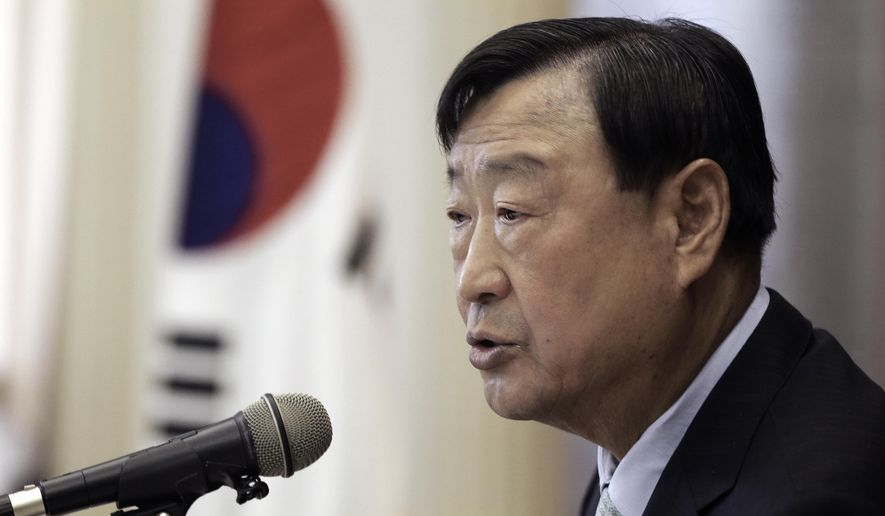 Lee Hee-beom, new chief organizer for the 2018 Winter Olympics in Pyeongchang, speaks during a press conference in Seoul, South Korea, Friday, May 20, 2016. Lee said preparations are on track with less than two years to go despite lingering concerns over venue constructions and sponsorships.(AP Photo/Ahn Young-joon)