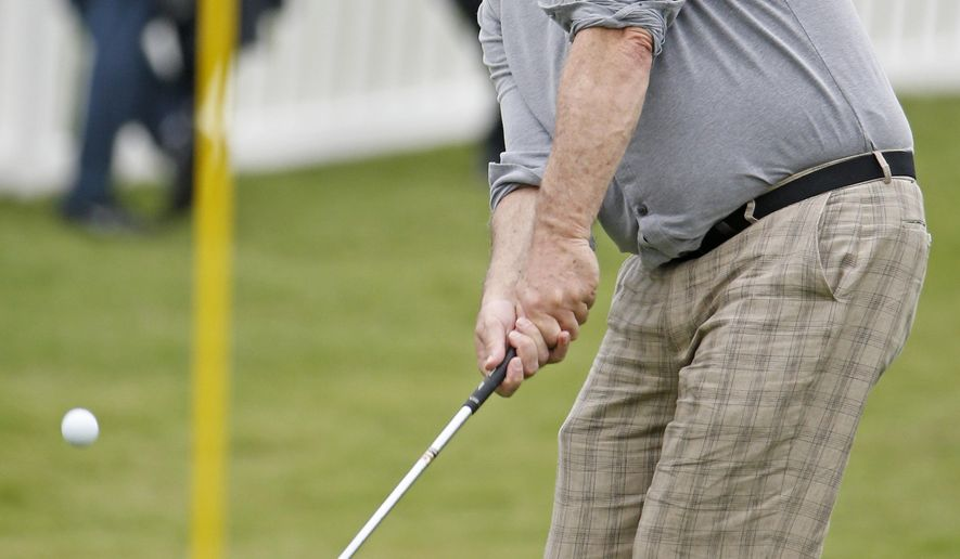 Actor Bill Murray chips to a practice green before the pro-am at the Dean & Deluca Invitational golf tournament Wednesday, May 25, 2016, at Colonial Country Club in Fort Worth< Texas. (Paul Moseley/Star-Telegram via AP)  MAGS OUT; (FORT WORTH WEEKLY, 360 WEST); INTERNET OUT; MANDATORY CREDIT