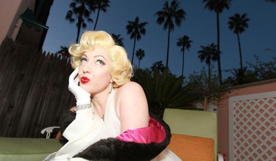 A Marilyn Monroe look-a-like at the Beverly Hills Hotel.