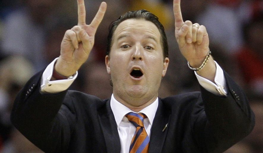FILE - In this March 18, 2011, file photo, Texas-San Antonio coach Brooks Thompson signals a play in the first half of an East regional NCAA college basketball tournament second round game against Ohio State in Cleveland. Brooks Thompson, a first-round NBA draft pick and former Texas-San Antonio men's basketball coach, has died. A UTSA statement announced Thompson died Thursday, June 9, 2016. He was 45. Sports information spokesman Jordan Korphage said Friday that Thompson died in San Antonio. Korphage says Thompson had been ill in recent months. No cause of death was immediately released. (AP Photo/File)