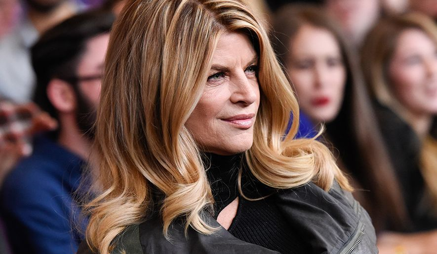 "Kirstie Alley attends the premiere of HBO's ""Girls"" fourth season at The American Museum of Natural History on Monday, Jan. 5, 2015, in New York. (Photo by Evan Agostini/Invision/AP)"
