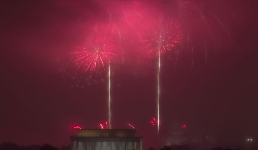 Fireworks explode over Lincoln Memorial, at the National Mall as seen from Arlington, Va., during the Fourth of July celebration on Monday, July 4, 2016. (AP Photo/Jose Luis Magana)