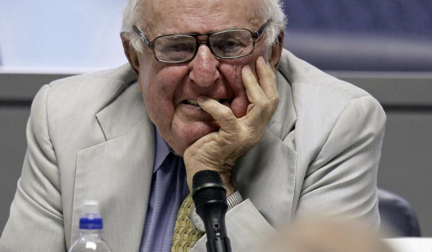 FILE - In this July 6, 2009, file photo, former Illinois U.S. Rep. and Judge Abner Mikva appears in Chicago. Mikva, a former congressman, Illinois legislator, federal appellate judge and presidential adviser, died Monday, July 4, 2016. He was 90 years old. (AP Photo/M. Spencer Green, File)