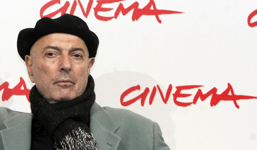 """FILE - In this Oct. 25, 2007 file photo, film director Hector Babenco poses at the presentation of his movie, 'El Pasado' (The Past) at the Rome Film Festival. The Argentine-born Brazilian director nominated for an Oscar for his 1985 film """"Kiss of the Spider Woman"""" has died at the age of 70. Denise Winther a producer at HB Films said Babenco died Wednesday night, July 13, 2016, of a heart attack at Sao Paulo's Sirio-Libanes Hospital. (AP Photo/Sandro Pace, File)"""