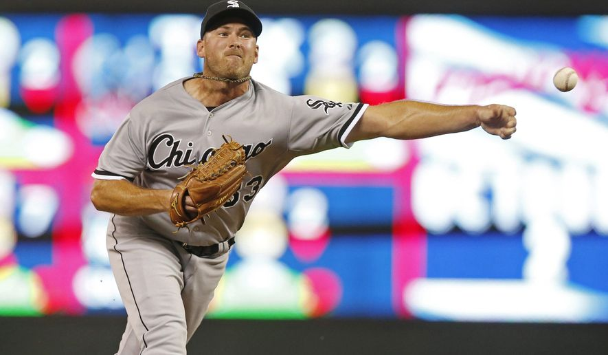 FILE - In a Sept. 1, 2015 file photo, Chicago White Sox reliever Zach Duke pitches against the Minnesota Twins during the eighth inning of a baseball game, in Minneapolis.  The St. Louis Cardinals acquired veteran left-hander Duke from the Chicago White Sox in the deal announced before their game Sunday, July 31, 2016, at Miami.(AP Photo/Jim Mone, File)
