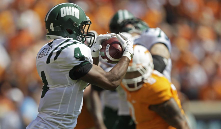 Ohio running back Papi White (4) catches a pass in the first half of an NCAA college football game against Tennessee Saturday, Sept. 17, 2016, in Knoxville, Tenn. (AP Photo/Wade Payne)