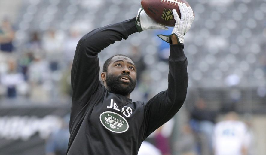 FILE - In this Oct. 2, 2016, file photo, New York Jets' Darrelle Revis warms up before an NFL football game against the Seattle Seahawks, in East Rutherford, N.J. Revis gave his hamstring a workout and came away feeling pretty good about his chances of playing Monday night at Arizona. The New York Jets cornerback returned to practice Friday, Oct. 14, 2016, for the first time since injuring a hamstring two weeks ago.(AP Photo/Bill Kostroun, File)