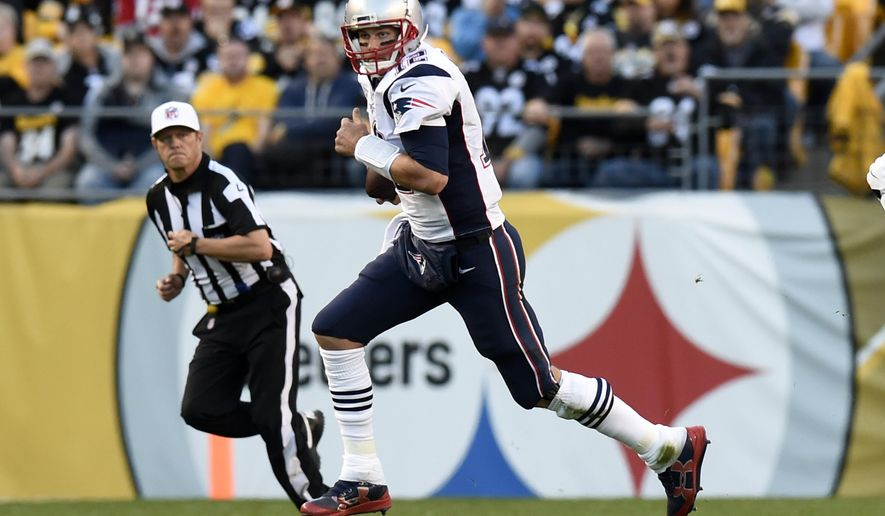 New England Patriots quarterback Tom Brady (12) scrambles during the first half of an NFL football game against the Pittsburgh Steelers in Pittsburgh, Sunday, Oct. 23, 2016. (AP Photo/Don Wright)
