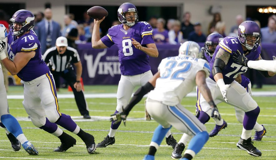 Minnesota Vikings quarterback Sam Bradford (8) throws a pass during the first half of an NFL football game against the Detroit Lions, Sunday, Nov. 6, 2016, in Minneapolis. (AP Photo/Jim Mone)