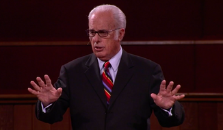 Pastor John MacArthur, screen shot from video used in this article.