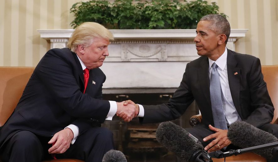 donald trump doesnt know how to shake hands