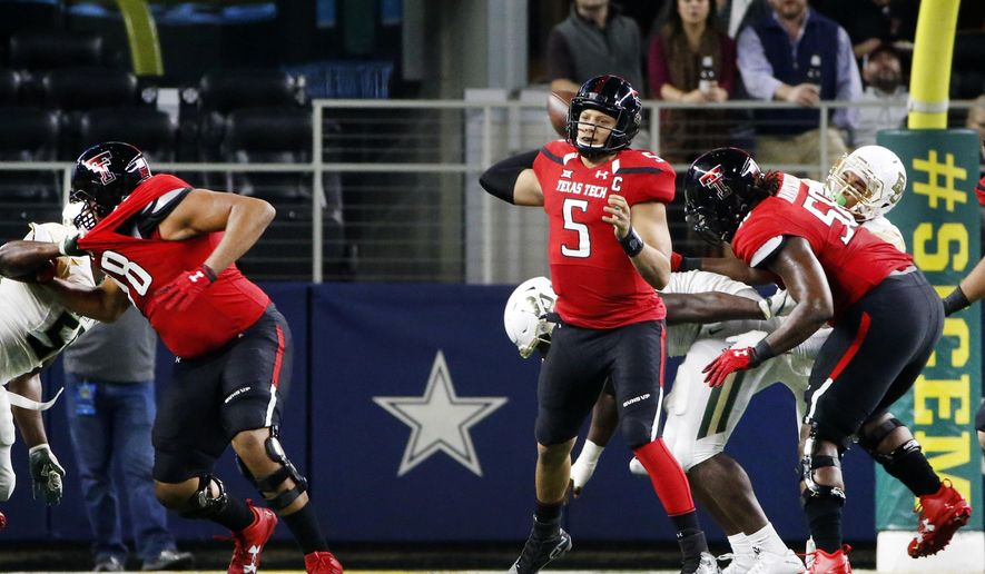 Texas Tech quarterback Patrick Mahomes II (5) throws against Baylor during the first half of an NCAA college football game Friday, Nov. 25, 2016, in Arlington, Texas. (AP Photo/Ron Jenkins)