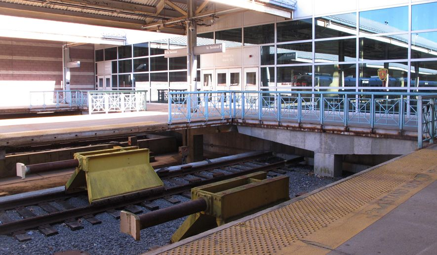 """This Dec. 20, 2016 photo shows safety barriers called """"bumping posts"""" at the end of the tracks at the Atlantic City, N.J., NJ Transit train station. The bumping posts at NJ Transit's Hoboken Terminal, site of a fatal crash in September, haven't been replaced in more than 100 years. NJ Transit tells The Associated Press it is in the process of hiring a consultant to help determine whether the barriers need to be replaced. (AP Photo/Wayne Parry)"""