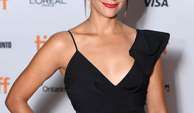 Rashida Jones was born on February 25, 1976 in Los Angeles, California, the daughter of actress Peggy Lipton and musician/record producer Quincy Jones. (AP Photo)