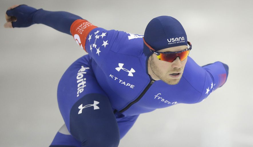 Joey Mantia competes in the men's 1,000 meters U.S. long track speedskating championship at Utah Olympic Oval, Sunday, Jan. 8, 2017, in Kearns, Utah. (AP Photo/Rick Bowmer)