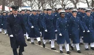 U.S. Air Force Academy at the 2017 Inaugural Day parade. Cadets are not in sync.
