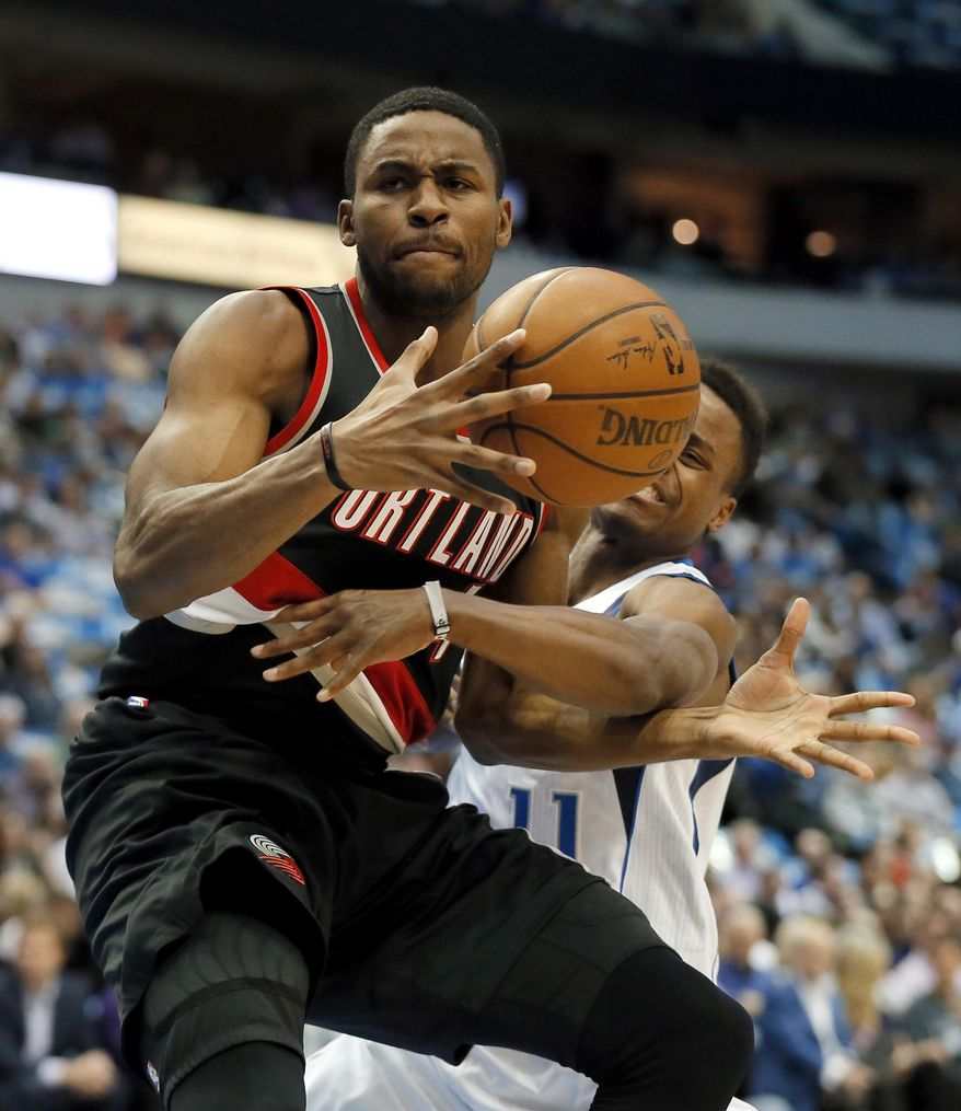 Portland Trail Blazers Basketball: Portland Trail Blazers' Maurice Harkless (4) Maintains