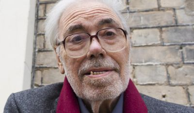 "FILE - A May 9, 2014 file photo of Alan Simpson, one half of the Galton and Simpson writing duo behind Hancock's Half Hour and Steptoe and Son, in London. Simpson's agent, Tessa Le Bars, said Wednesday, Feb. 8, 2017, that he died ""after a brave battle with lung disease."" Simpson was 87. (Justin Tallis/PA via AP, File)"
