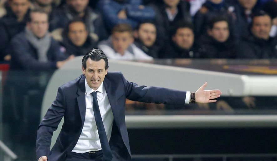 PSG head coach Unai Emery gestures during the Champions League first leg knockout round match Paris Saint Germain against Barcelona, at the Parc des Princes stadium in Paris, Tuesday, Feb. 14, 2017. (AP Photo/Michel Euler)