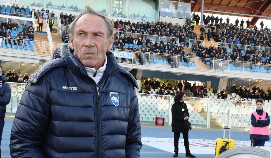 Pescara coach Zdenek Zeman follows the Serie A soccer match between Pescara and Genoa, in Pescara, Italy, Sunday, Feb. 19, 2017. (Claudio Lattanzio/ANSA via AP)