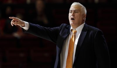 Oregon State coach Wayne Tinkle calls to his team during the first half of an NCAA college basketball game against Stanford on Wednesday, Feb. 22, 2017, in Stanford, Calif. (AP Photo/Marcio Jose Sanchez)