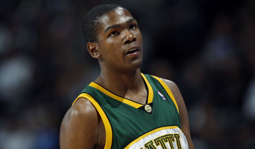 Kevin Durant was just 19 years old when he entered the NBA with the Seattle SuperSonics. Wizards coach Scott Brooks was an assistant in Seattle then. / AP archive