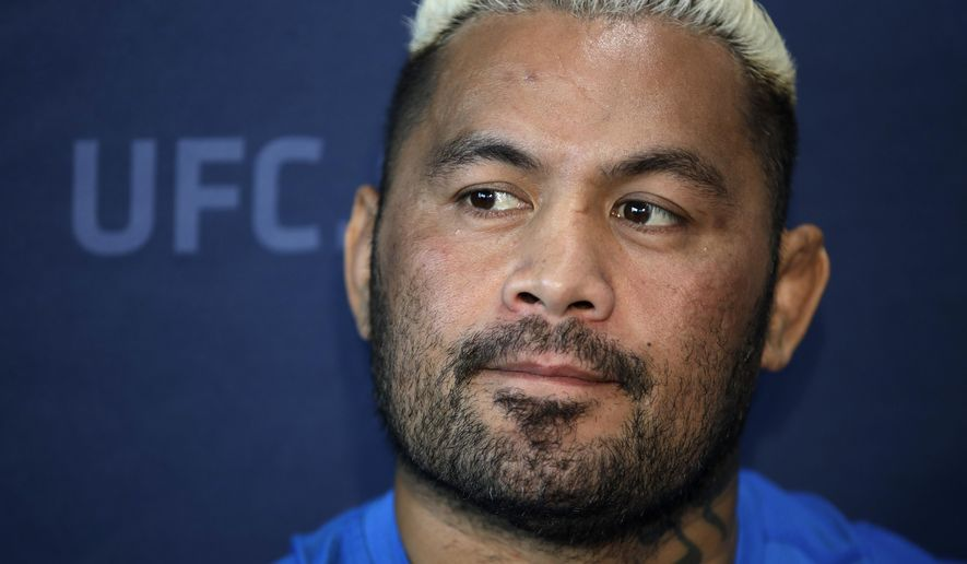 In this Thursday, March 2, 2017 photo, Mark Hunt, of Australia, speaks with the media during a news conference for UFC 209 in Las Vegas. Hunt is scheduled to fight Alistair Overeem Saturday at UFC 209. (AP Photo/John Locher)