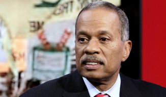 "Juan Williams appears on the ""Fox & Friends"" television program in New York, Oct. 21, 2010. (AP Photo/Richard Drew) ** FILE **"