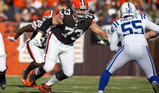 Browns tackle Joe Thomas prepares to re-accommodate Colts' linebacker Shaun Phillips.
