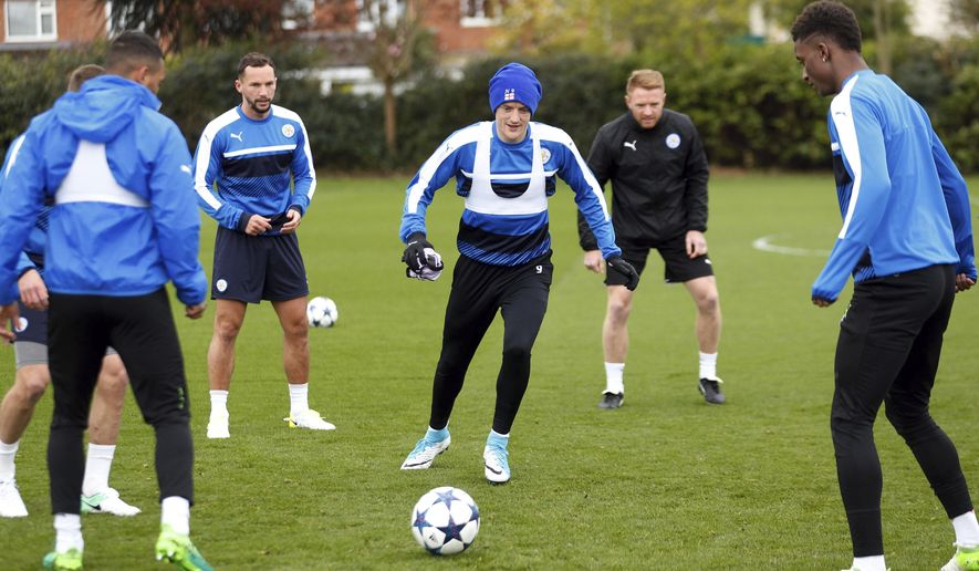Leicester City's Jamie Vardy, center, during a training session at Belvoir Drive Training Ground, Leicester, England, Monday, April 17, 2017. (Paul Harding/PA via AP)
