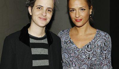DJ Samantha Ronson and her twin sister, fashion designer Charlotte Ronson
