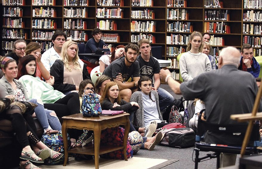 In this May 10, 2017 photo, Clayton Narveson, Marine and Iwo Jima survivor, talks about about World War II while speaking to William Blount High School Honor students in Maryville, Tenn. (Tom Sherlin/The Daily Times via AP)
