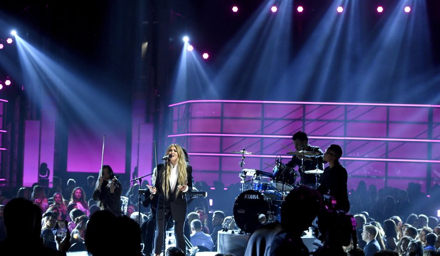 "Julia Michaels performs ""Issues"" at the Billboard Music Awards at the T-Mobile Arena on Sunday, May 21, 2017, in Las Vegas. (Photo by Chris Pizzello/Invision/AP)"