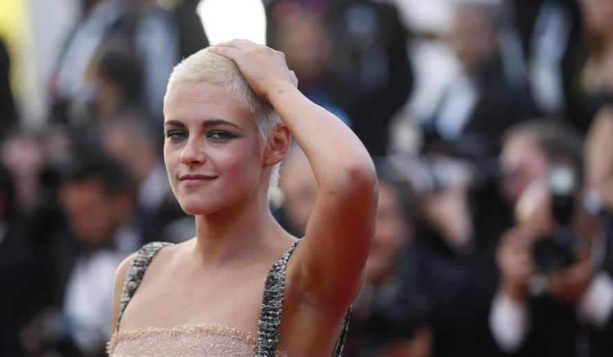 Actress Kristen Stewart poses for photographers upon arrival at the screening of the film 120 Beats Per Minute at the 70th international film festival, Cannes, southern France, Saturday, May 20, 2017. (AP Photo/Alastair Grant)