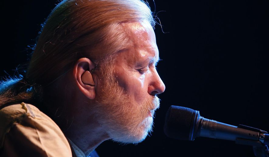 In this May 6, 2016 photo, Greg Allman performs at the Joint at the Hard Rock Hotel and Casino in Catoosa, Oka.  On Saturday, May 27, 2017, a publicist said the musician, the singer for The Allman Brothers Band, has died.  (Tom Gilbert/Tulsa World via AP)