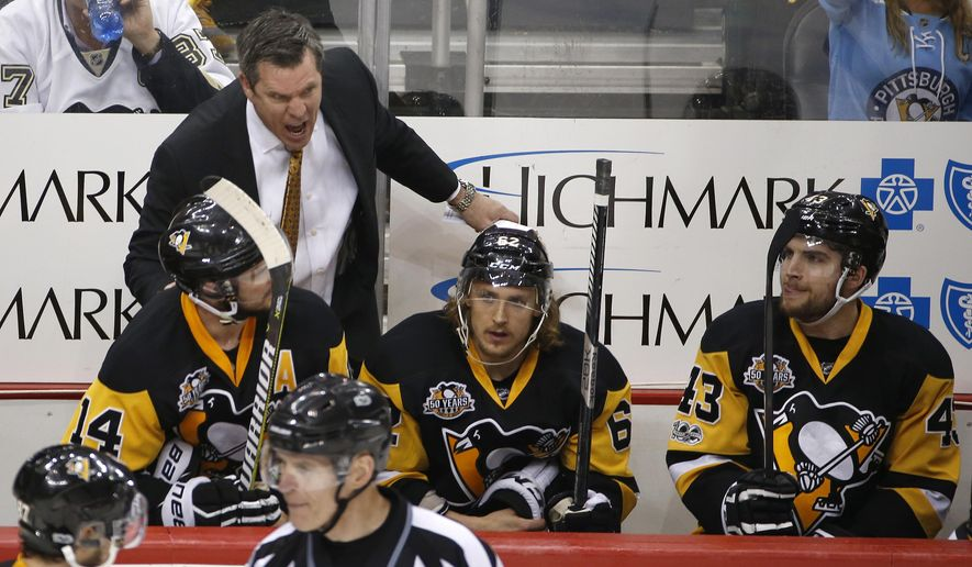 Pittsburgh Penguins head coach Mike Sullivan yells during the third period of Game 7 of the Eastern Conference final against the Ottawa Senators in the NHL Stanley Cup hockey playoffs in Pittsburgh, Thursday, May 25, 2017. (AP Photo/Gene J. Puskar)