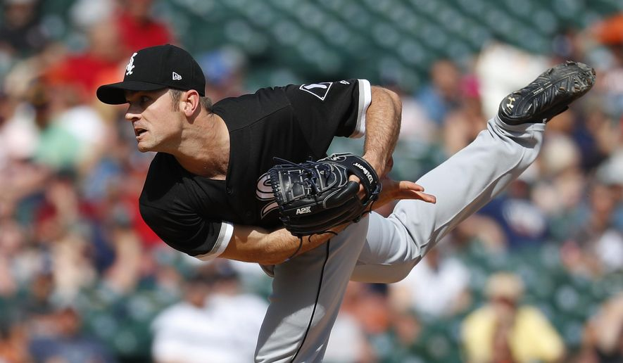 Chicago White Sox relief pitcher David Robertson throws against the Detroit Tigers in the eighth inning of a baseball game in Detroit, Sunday, June 4, 2017. (AP Photo/Paul Sancya)