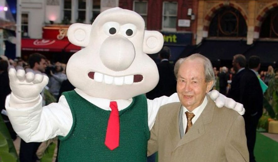 "British actor Peter Sallis voiced the character of Wallace in ""Wallace and Gromit"" films from 1989 to 2010. Sallis has died, his agent said Monday. He was 96. (Associated Press/Paul Ashby) ** FILE **"