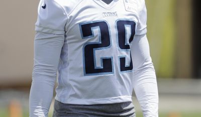 Tennessee Titans running back DeMarco Murray wears a bandage on his right hand as he attends the team's organized team activity at its NFL football training facility Thursday, June 8, 2017, in Nashville, Tenn. (AP Photo/Mark Humphrey)