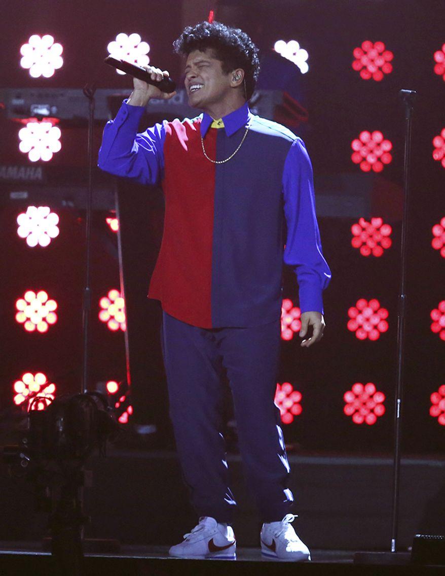 "Singer Bruno Mars - Height 5'5"""