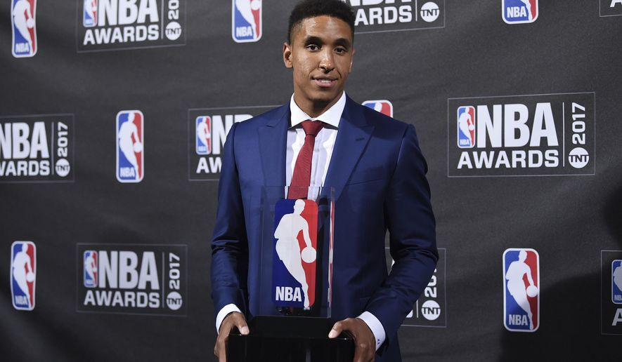 Kia NBA Rookie of the Year winner Malcom Brogdon poses in the press room at the 2017 NBA Awards at Basketball City at Pier 36 on Monday, June 26, 2017, in New York. (Photo by Evan Agostini/Invision/AP)