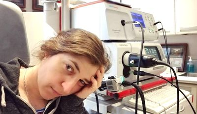 """Actress Mayim Bialik of """"The Big Bang Theory"""" informed her 2.1 million Instagram followers on Wednesday that she blew out her vocal cords and was ordered by her doctors not to speak for one month. (Instagram, Mayim Bialik)"""