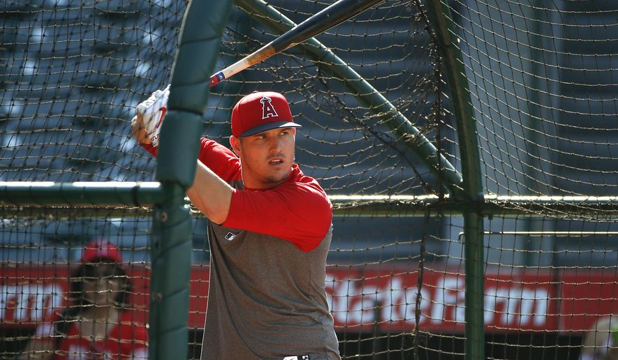 Los Angeles Angels' Mike Trout takes batting practice before the team's baseball game against the Tampa Bay Rays, Friday, July 14, 2017, in Anaheim, Calif. Trout has been out since May 28 with a torn ligament in his left thumb. (AP Photo/Jae C. Hong)