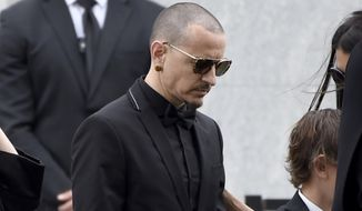 Chester Bennington, of Linkin Park, attends a funeral for Chris Cornell at the Hollywood Forever Cemetery on Friday, May 26, 2017, in Los Angeles. (Photo by Chris Pizzello/Invision/AP)