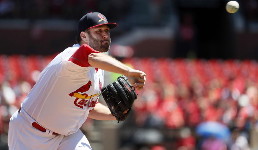 St. Louis Cardinals starting pitcher Lance Lynn throws during the first inning of a baseball game against the Arizona Diamondbacks, Sunday, July 30, 2017, in St. Louis. (AP Photo/Jeff Roberson)