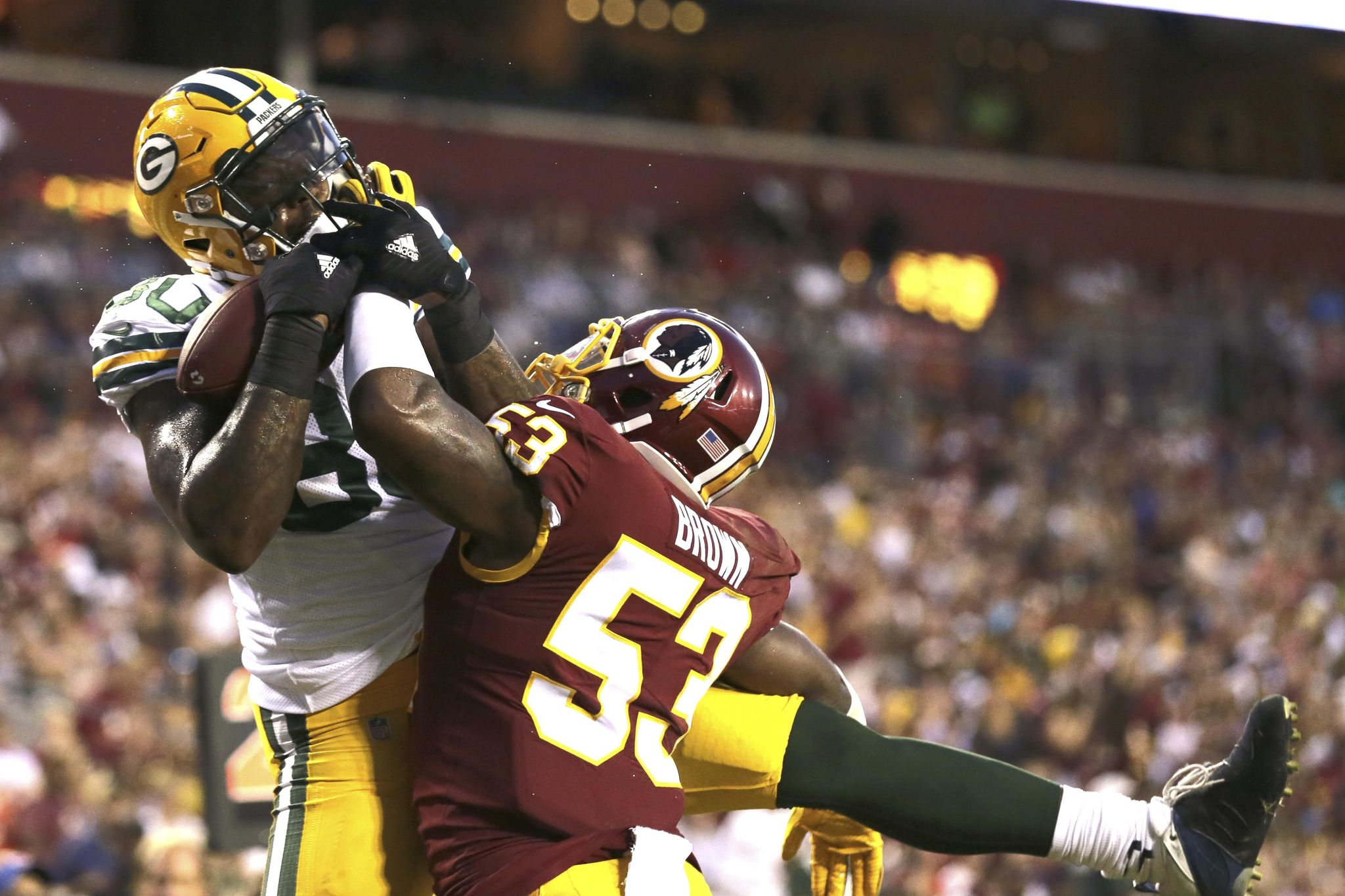 Packers_redskins_football_98386_s2048x1365